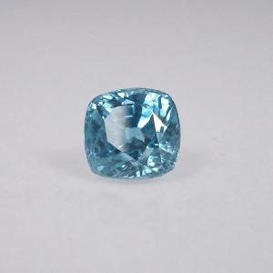 zircon bleu de taille coussin