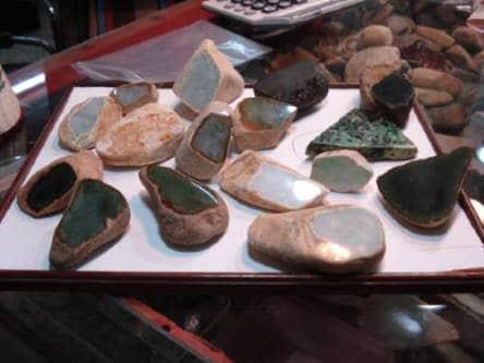blocs de brut de jade-jadeite