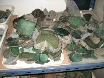 blocs de jade chez un lapidaire